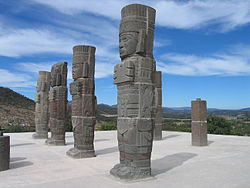 kidipapa_statues_tolteques